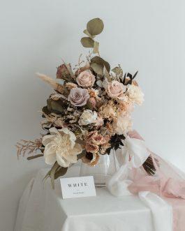 淡粉白色永生乾燥捧花|White flower